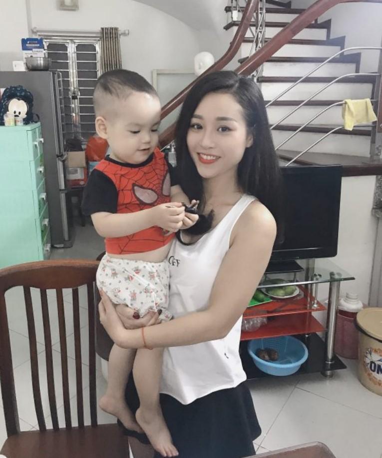 Mẹ Trang cùng bé Bin